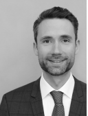 Dr. Alexander Koeberle-Schmid